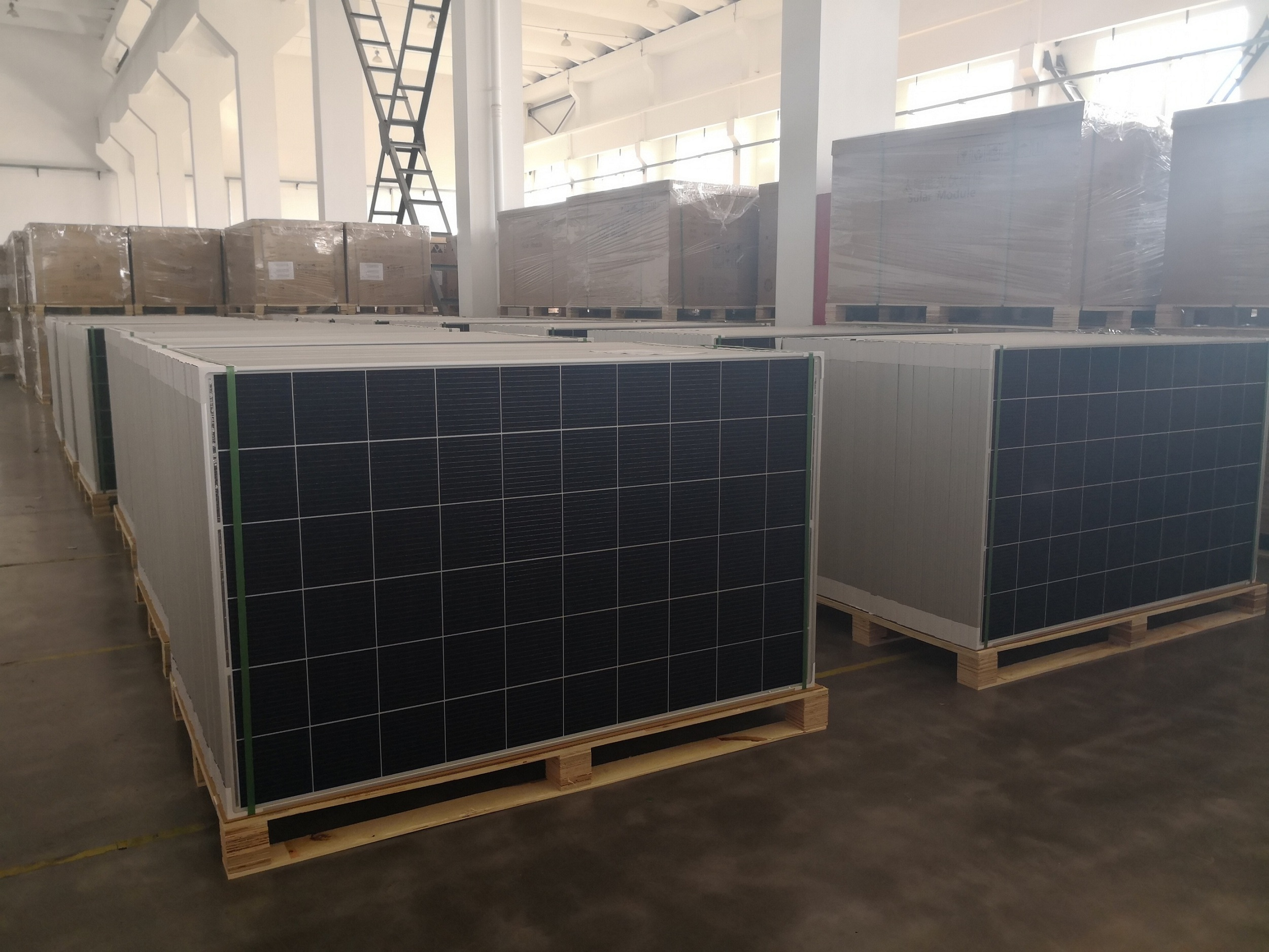 Latest 12BB solar panel 280W ready for Europe branches