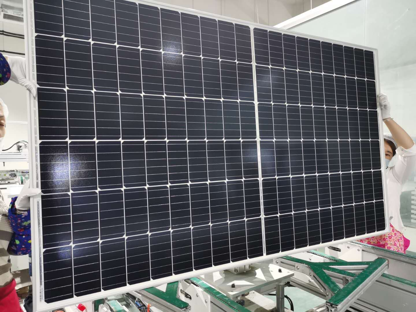 10MW half-cell 6BB under production